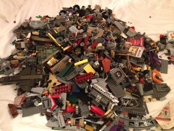 Make lots of money by buying and reselling used LEGO! – Tom Alphin