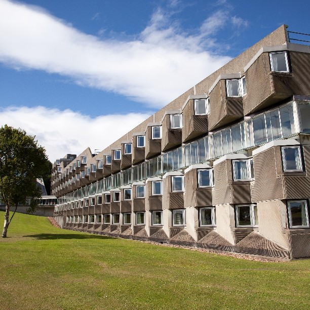 Andrew Melville Hall (1964) in #StAndrews, #Scotland by #Architect James Stirling.  This dormitory is a little known #Brutalist #Archtecture masterpiece constructed of textured #concrete panels.